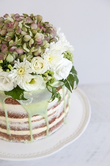 floral naked drip cake newcastle